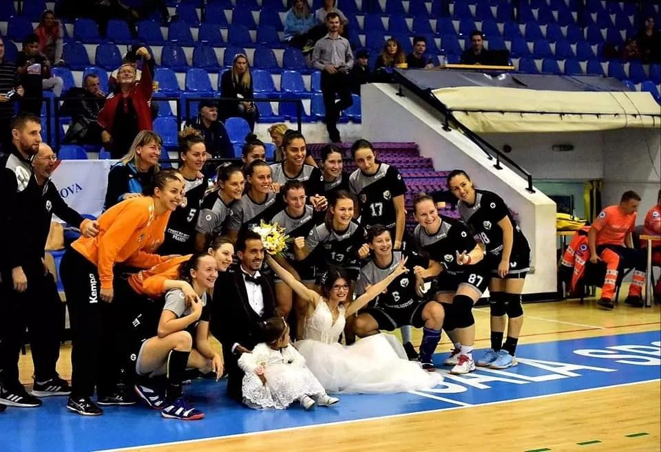 """Ionela Leuștean și celelalte """"bufnițe"""" chiar au făcut un galop de sănătate cu CSU Târgoviște. Handbalistele de la CS Activ-Prahova Ploiești au urcat pe locul 2!"""