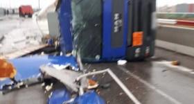 Accident rutier cu autocisternă răsturnată, în incinta Parcului Industrial Ploieşti