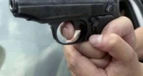 Atac la secţia de votare Drăgăneasa: Poliţist a împuşcat un bărbat dintr-o gaşcă de invdivizi beţi violenţi