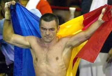 Ploieșteanul fost campion mondial amator și profesionist de box, Leonard Doroftei, împlinește la Montréal o jumătate de secol de viață! Marele iubitor al Ploieștiului și al României duce nespus dorul plaiurilor natale!