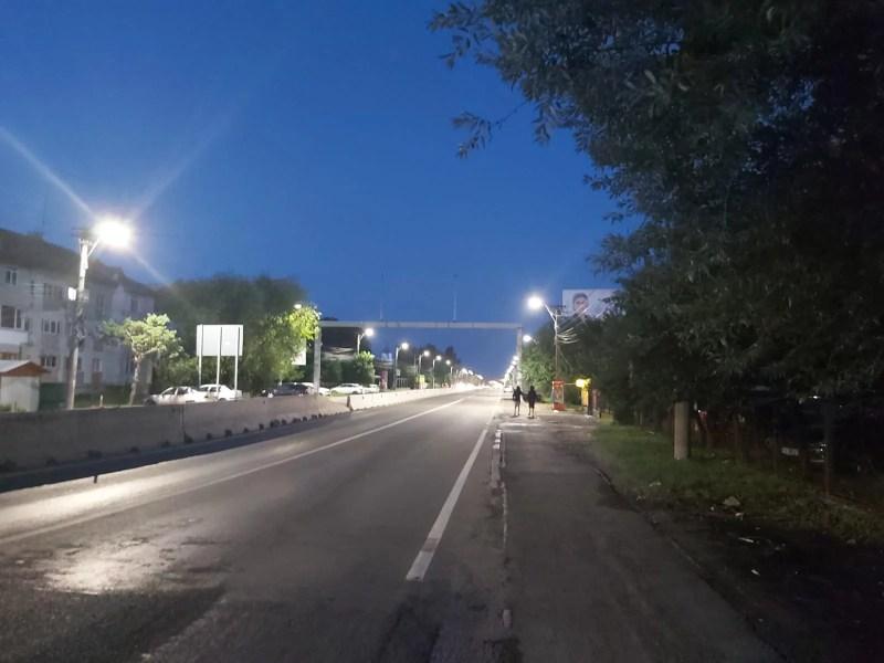 Comuna Bărcăneşti şi DN1, iluminate într-un mare fel