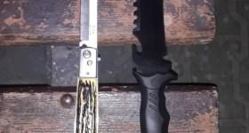 2 persoane cu arest la domiciliu, prinse în autobuz de jandarmi. O altă persoană avea 2 cuțite asupra sa.