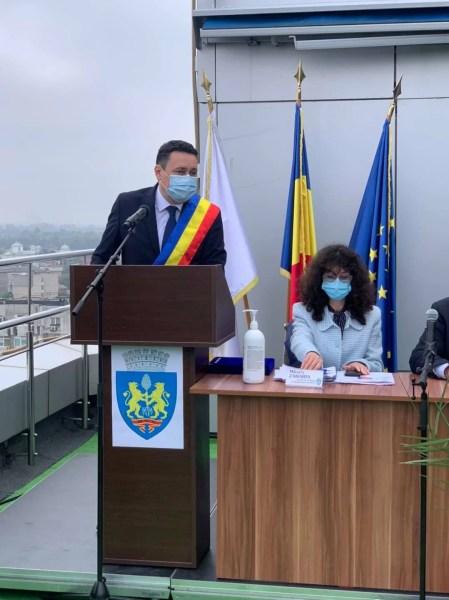 Primarul Volosevici face apel la ploieșteni și monitorizează supermarketurile. Ploieștiul are o rată de infectare foarte mare