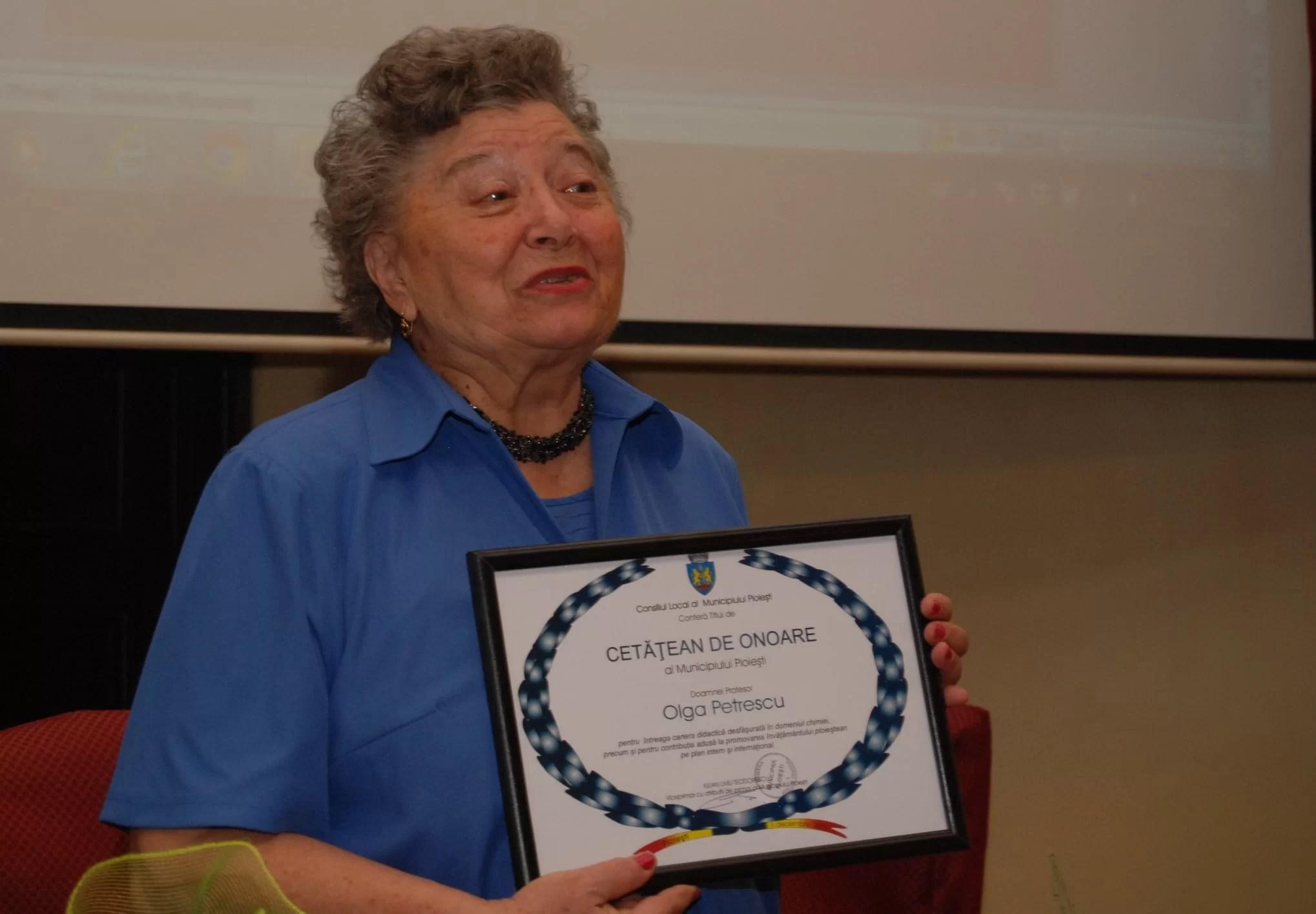 Legendara profesoară Olga Petrescu, din Liceul IL Caragiale, s-a stins din viață