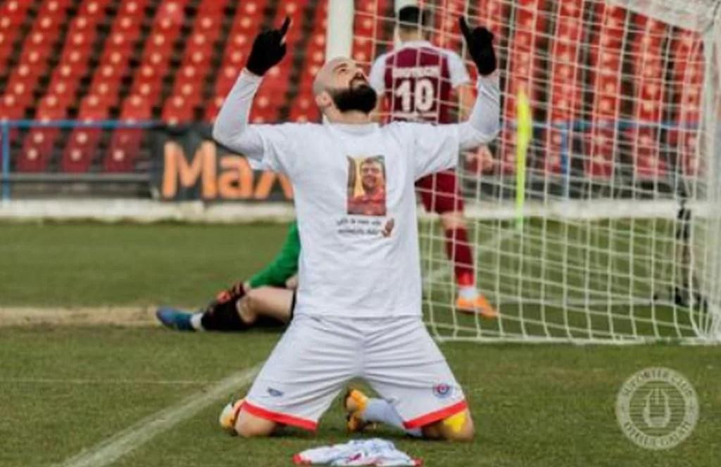 Fostul mijlocaș al Petrolului, Georgian Păun, a deschis scorul, astăzi, pentru Oțelul Galați și i-a dedicat golul tatălui său, plecat la cele sfinte luna trecută, după o boală necruțătoare!