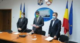 Prefectul Cristian Ionescu și doi noi subprefecți au depus azi jurământul