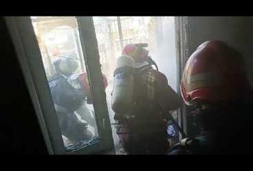 Incendiu la un balcon de bloc, în Ploiești