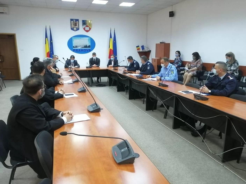 Prefectura a stabilit cu reprezentanții preoților prahoveni condițiile slujbelor de Paști