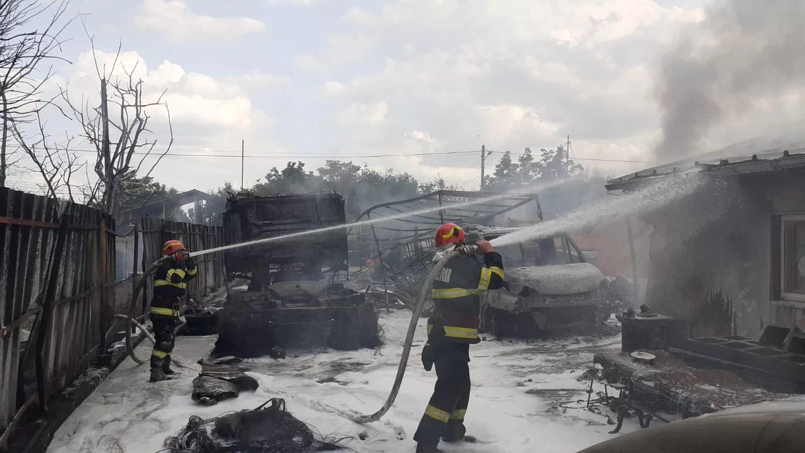 Incendiu devastator la un centru de încărcare butelii din Fântânele