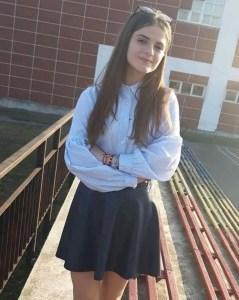 Alexandra Măceșanu a fost așteptată în prima zi de școală
