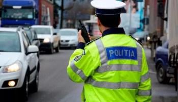 politistiiiiiiiiiiiii Amenzi în valoare de 13.250 de lei, pentru oltenii care au fost prinși fără mască de protecție