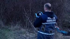 Descoperire macabră la Brâncoveni. Două schelete îngropate pe câmp