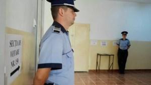 Polițiștii cu ochii pe buletinele de vot