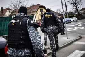 PERCHEZIŢII în două judeţe: Poliţiştii şi procurorii au lovit într-o reţea de falsificatori de euro