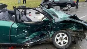 Accident grav! Trei mașini făcute praf într-un accident cu cinci răniți