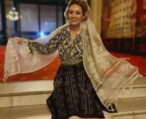 Cântăreața Emilia Dorobanțu a pierdut costume de mii de euro