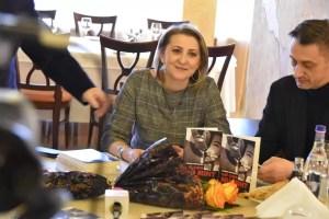 Jurnalista Carmen Dumitrescu, lansare de carte la Slatina