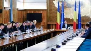 Toți miniștrii Cabinetului Orban candidează la alegerile parlamentare, cu două excepții