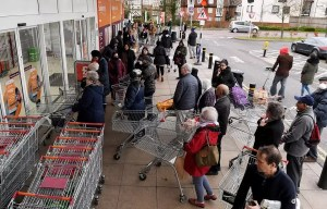 Supermarketuri asaltate în Craiova