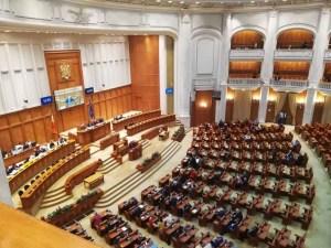 Legea carantinei şi izolării a fost votată: Doar 8 senatori s-au opus, printre care Călin Popescu Tăriceanu și Eugen Teodorovici
