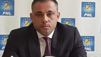 Voiculescu_primarie_ Vlad Voiculescu: 'Nu i-am cerut nici măcar o singură dată demisia lui Raed Arafat. Să luăm taurul de coarne și să evităm o altă nenorocire'