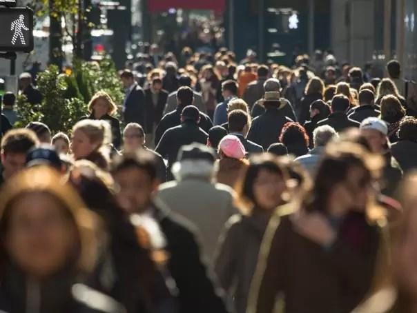 oameni strada Italia