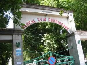 Parcul Poroineanu și locurile de joacă din Caracal vor fi închise