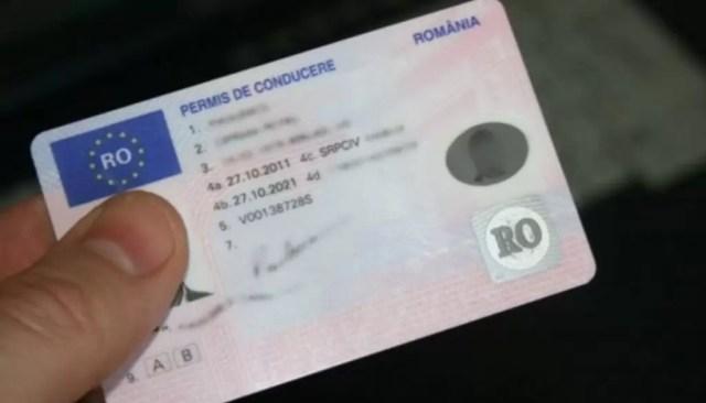 permis-auto-1024x585-1 Oltenii au interzis la ghișeele pentru permise și înmatriculări