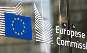 Comisia Europeană propune o combinaţie de împrumuturi şi granturi pentru planul de relansare
