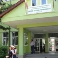 Cazuri de COVID-19 în trei școli din Olt
