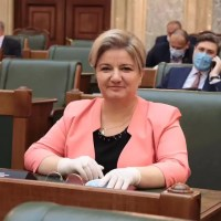 Senatorul Siminica Mirea, alături de fermieri