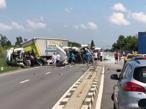 Accident cumplit - Doi șoferi în stare GRAVĂ