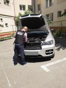Mașină furată din Italia, găsită în garajul unei oltence