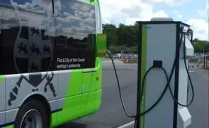 Ministerul Dezvoltării a finalizat licitația pentru achiziția a 51 de autobuze electrice și stații de încărcare rapidă pentru transportul public