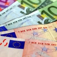 """""""Valutiștii"""" de la """"Vacanța"""", prinși în flagrant în timp ce schimbau bani"""