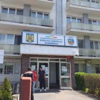 Familiile care au împlinit 50 de ani de căsătorie îşi pot ridica premiile de la Direcţia Economică Slatina
