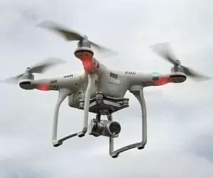 Colonești: Dosar penal pentru un bărbat din Piteşti care filma o înmormântare cu drona