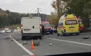 Accident rutier mortal : un bărbat a decedat, după ce a intrat cu mașina într-un cap de pod; avea permisul suspendat