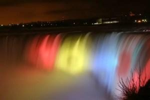 Cascada Niagara va fi iluminată în culorile steagului României, de 1 decembrie