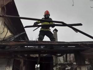 Incendiu puternic în Corbu