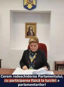 Un senator oltean cere redeschiderea Parlamentului