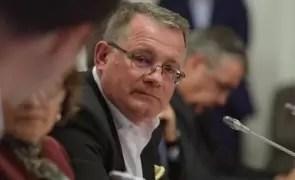 HALUCINANT Declarații de ministru: Adrian Oros spune că limitarea la 5 porci pentru fiecare gospodărie țărănească este o lovitură pentru samsari