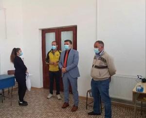 Campania de vaccinare anti-COVID se extinde în Olt. Centrul drive-through va avea program non-stop