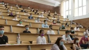 România, ţara cu cei mai puţini absolvenţi de studii superioare din UE. Care sunt domeniile cele mai ofertante pentru tineri