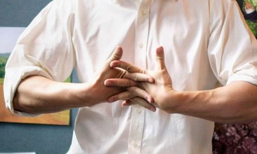 Çfarë Sjell Kërcitja e Gishtave dhe Veset e Dëmshme