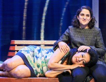 """Nesrin Şamdereli'nin yazdığı oyun """"Träum weiter"""" Ernst Deutsch Tiyatrosunda"""
