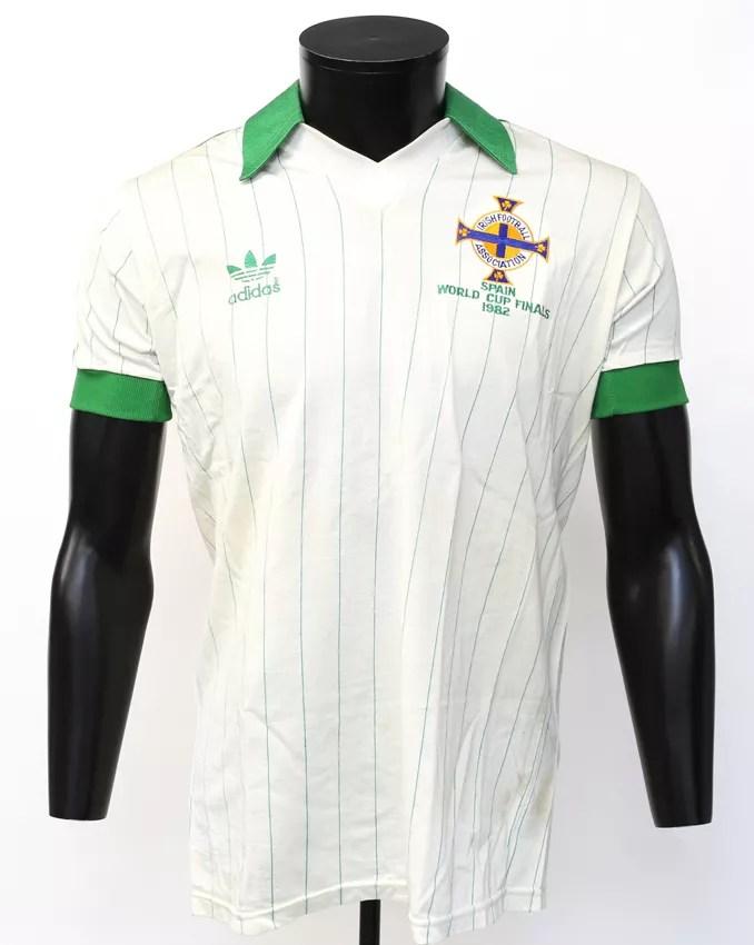 WEB NI Copa del mundo de España 82 (primer partido) estimado de la camisa £ 5000-8000.jpg