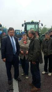 galluis_leclerc_manif-agriculteurs_2016-06