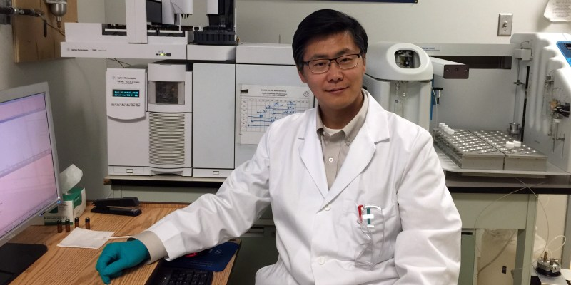Dr. Bing Chen in the NRPOP Laboratory