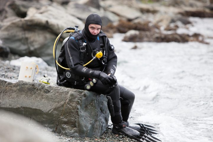 Dr. Patrick Gagnon prepares to dive on the rhodolith bed in Portugal Cove-St. Philip's.
